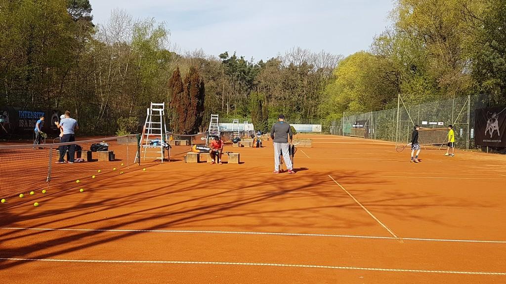 Regenerationstag für die Kids und Ausflug zur Base der Schüttler Waske Tennis University in Offenbach