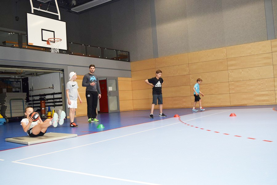 Spät angefangen, intensiv trainiert, spät aufgehört am vierten Tenniscamptag in der Schüttler Waske Tennis Academy
